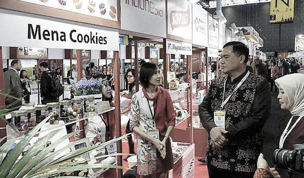 Mena Cookies SIAL Paris Exhibition